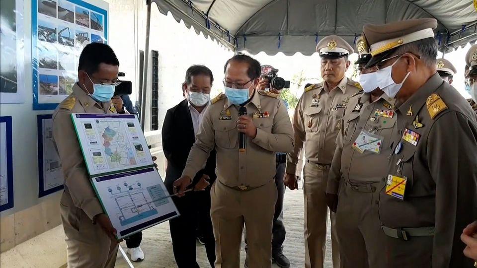 องคมนตรี ติดตามผลการดำเนินโครงการบรรเทาอุทกภัยพื้นที่ลุ่มน้ำเพชรบุรีตอนล่าง ที่จังหวัดเพชรบุรี