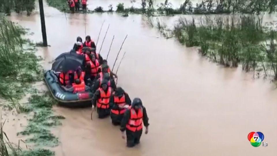 จีน ยกระดับเตือนภัยน้ำท่วมในมณฑลหูเป่ย์ พร้อมส่งเจ้าหน้าที่กู้ภัยเข้าช่วยเหลือประชาชน