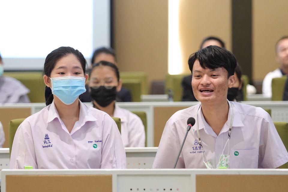 """ช่อง 7HD เติมเต็มเยาวชนไทย มอบทุนการศึกษา รุ่นที่ 2 ใน โครงการ """"7สี ช่วยชาวบ้าน สานฝันการศึกษา"""""""