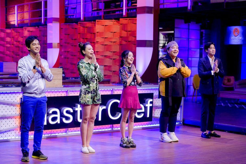 """MasterChef Celebrity Thailand""  เปิดตัวสุดแซ่บ""มอส-ตอง-แอร์-พิชญ์-บุ๊คโกะ""ทำทึ่ง!!โชว์ทักษะขั้นเทพ"
