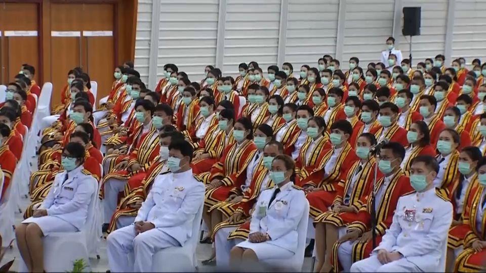 สมเด็จพระกนิษฐาธิราชเจ้า กรมสมเด็จพระเทพรัตนราชสุดาฯ สยามบรมราชกุมารี เสด็จพระราชดำเนินแทนพระองค์ไปในการพระราชทานปริญญาบัตรแก่ผู้สำเร็จการศึกษาจากสถาบันเทคโนโลยีพระจอมเกล้าเจ้าคุณทหารลาดกระบัง ประจำปีการศึกษา 2562