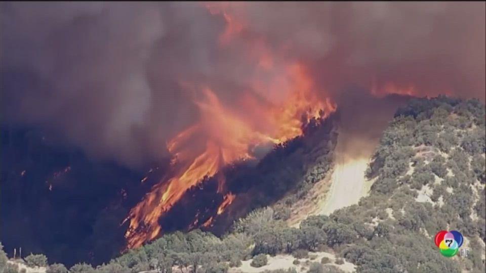 อพยพประชาชนหนีไฟป่าในรัฐแคลิฟอร์เนีย สหรัฐฯ