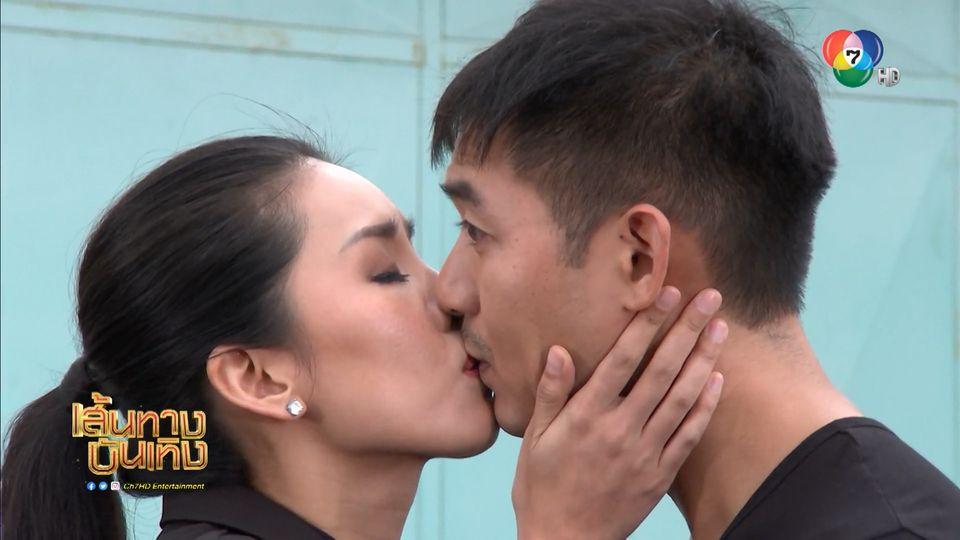 กิ๊ฟซ่า ปิยา เคลิ้มวาทะของ เวียร์ ศุกลวัฒน์ จนเผลอจูบ! ในละคร ยอดรักนักรบ