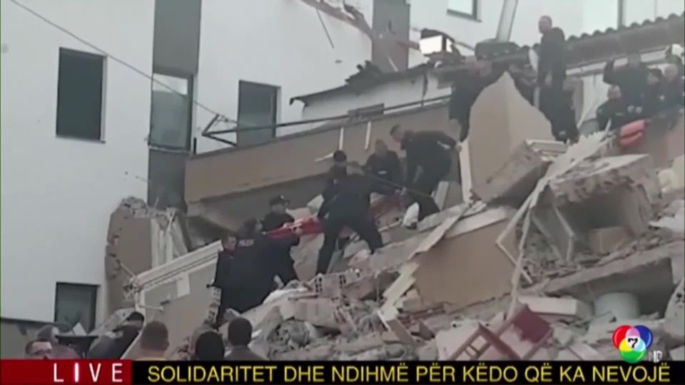 เกิดเหตุแผ่นดินไหวขนาด 6.4 ที่แอลเบเนีย ส่งผลให้อาคารถล่มหลายหลัง