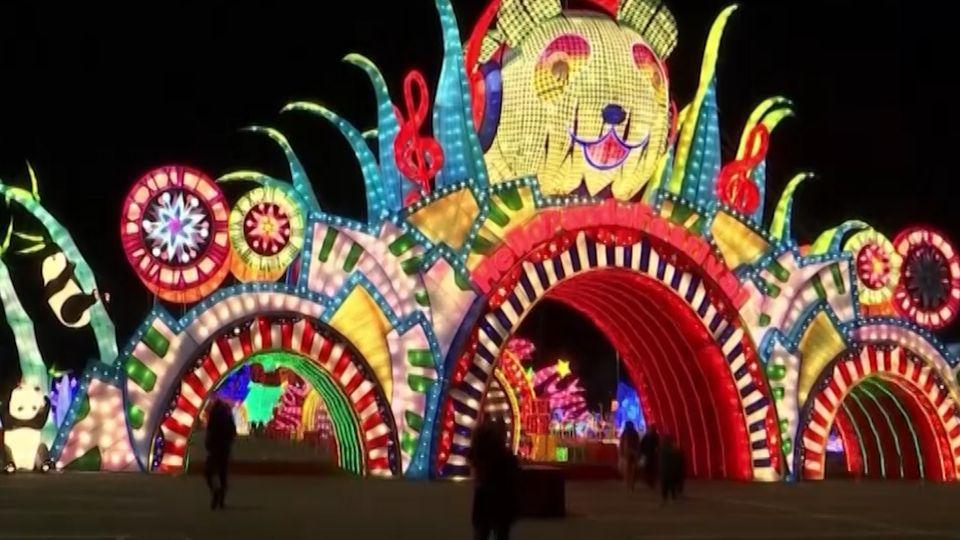 ตระการตา เทศกาลโคมไฟในนครนิวยอร์ก