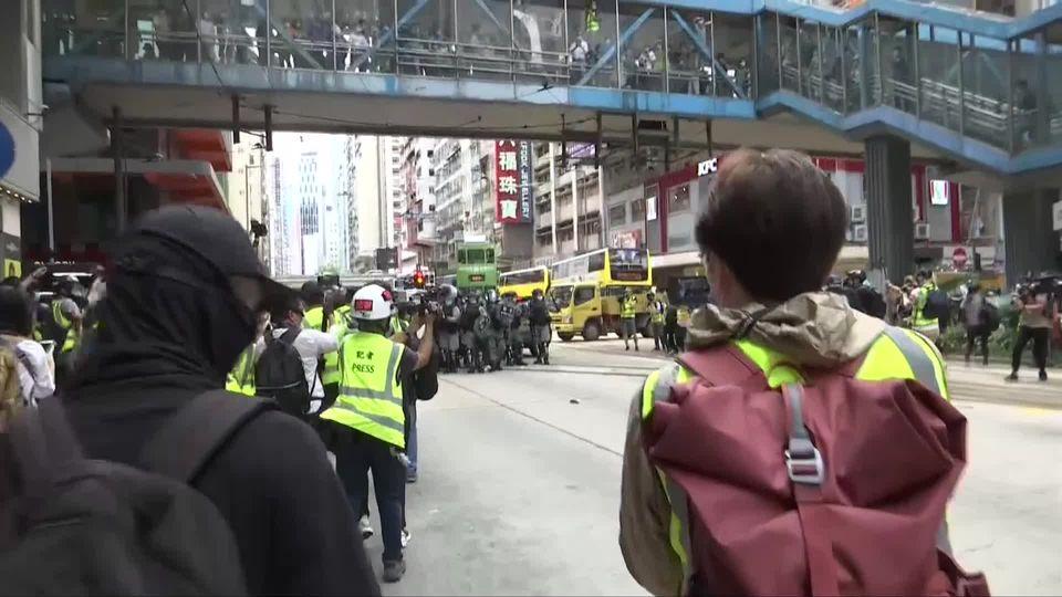 ตำรวจฮ่องกงยิงก๊าซน้ำตาใส่ม็อบต้านจีน ปมกฎหมายความมั่นคง