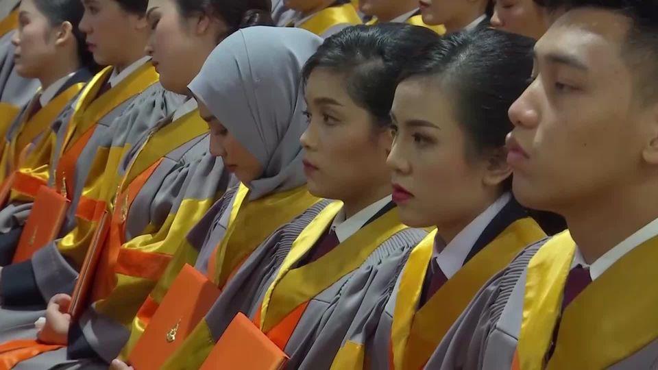 สมเด็จพระกนิษฐาธิราชเจ้า กรมสมเด็จพระเทพรัตนราชสุดาฯ สยามบรมราชกุมารี เสด็จพระราชดำเนินแทนพระองค์ ไปในการพระราชทานปริญญาบัตรแก่ผู้สำเร็จการศึกษาจากมหาวิทยาลัยเทคโนโลยีสุรนารี