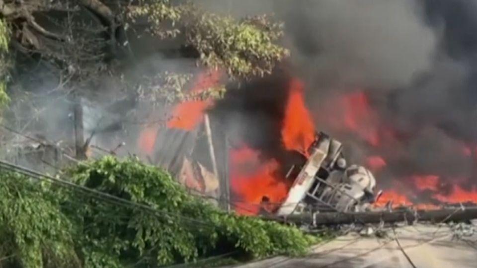 รถบรรทุกน้ำมันพุ่งชนตึกในฮอนดูรัส