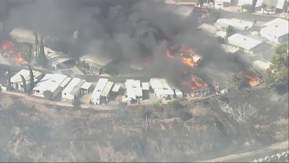 เกิดไฟป่ารุนแรงหลายพื้นที่ในรัฐแคลิฟอร์เนีย ของสหรัฐฯ