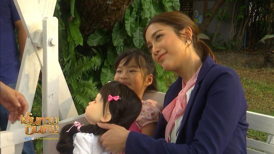 แม็กกี้ อาภา เข้าฉากกับ น้องณิริน วันแรก ในละคร ตุ๊กตา