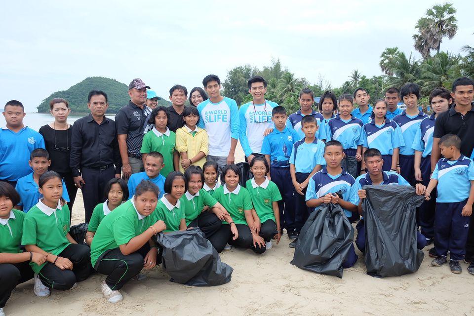 """7 สี ปันรักให้โลก ส่ง """"ธันน์-โหน"""" สร้างจิตสำนึกรักสิ่งแวดล้อมในกิจกรรม """"เที่ยวเมืองไทย ใครๆ ก็เที่ยวได้ให้ขยะ (ใต้น้ำ) เป็นศูนย์"""""""