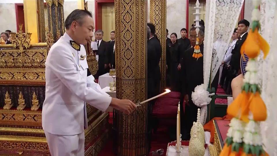 คณะบุคคล ร่วมเป็นเจ้าภาพในการพระพิธีธรรมสวดพระอภิธรรมศพ พลเอก เปรม ติณสูลานนท์ ประธานองคมนตรีและรัฐบุรุษ