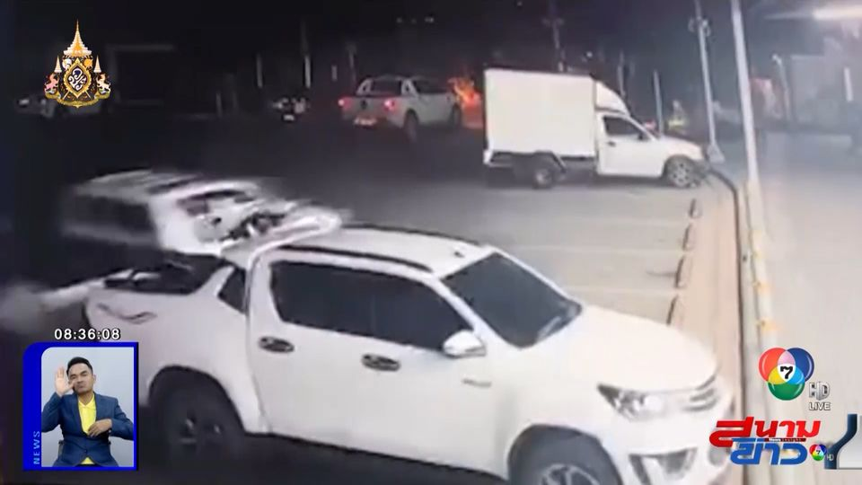 ภาพเป็นข่าว : เมาเป็นเหตุ! ชายเมาสุรา ขับรถชนกระจายในปั๊มน้ำมัน