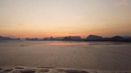 งดงาม แสงสุดท้ายอ่าวพังงา เที่ยวชมฝูงปูมดแดงนับล้านตัว