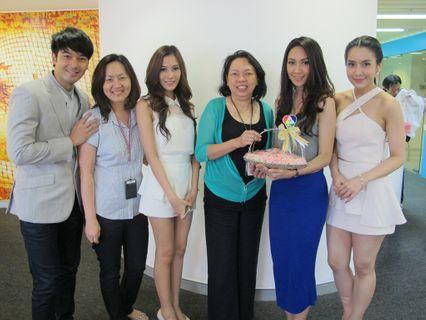 """ช่อง 7 สี ส่งนักแสดงจากละคร 2 เรื่องดัง """"คมพยาบาท"""" และ """"สุสานคนเป็น"""" เข้าพบและสวัสดีปีใหม่ไทย เอเจนซี"""