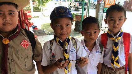 เด็กนักเรียน ป.3 ขอนแก่น เก็บนาฬิกาส่งตำรวจตามหาเจ้าของ